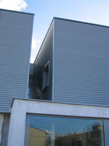 fasáda z titánzinku - administratívna budova Prievidza