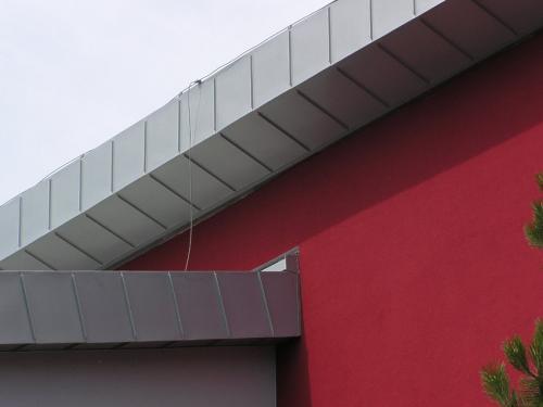 titánzinkobá strecha a fasáda