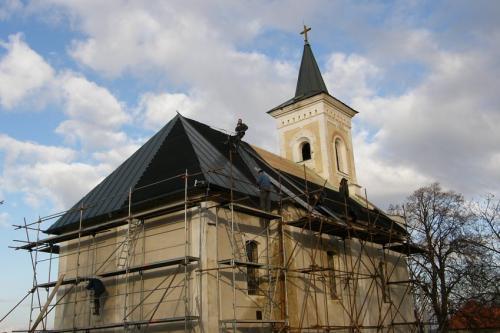 titánzinková strecha - kostol Slažany